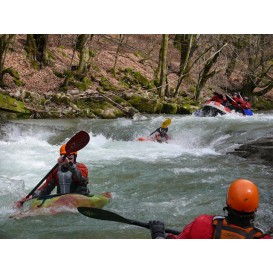 Curs de whitewater kayaking