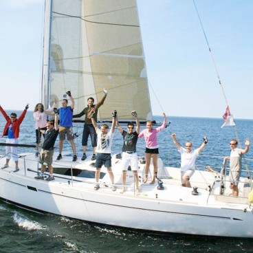 Yacht Sailing Team Building